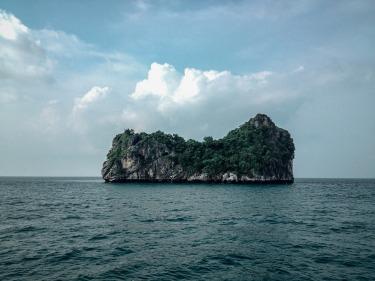 island-801948_1920